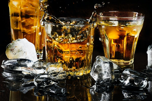 Signs and Symptoms Of An Alcoholic